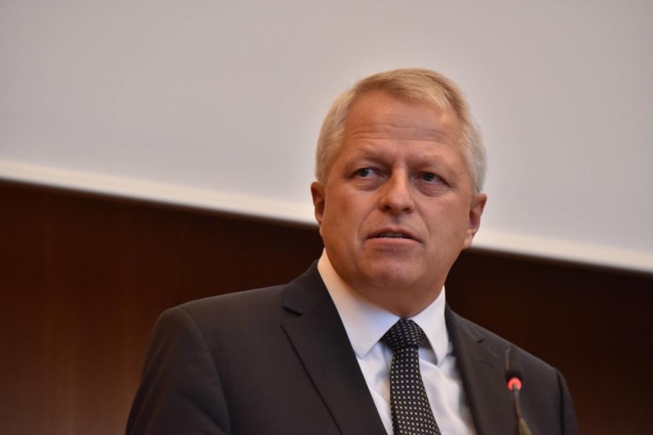 "Kölns Polizeipräsident Jürgen Mathies bedauert den ""Nafris""-Tweet."
