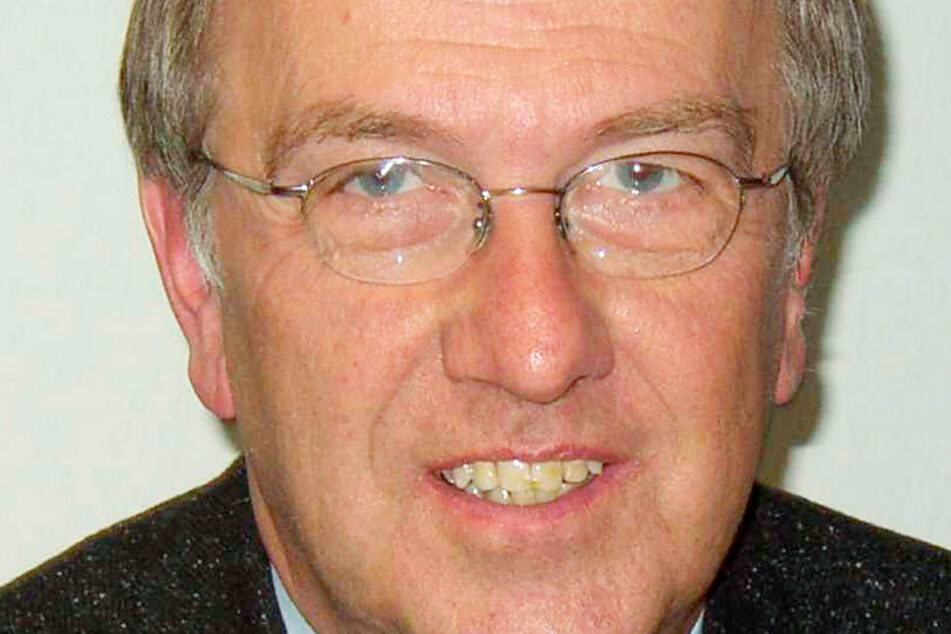 Der Wiesbadener Kriminalpsychologe Rudolf Egg rätselt, wie Franco A. so lange unerkannt bleiben konnte.