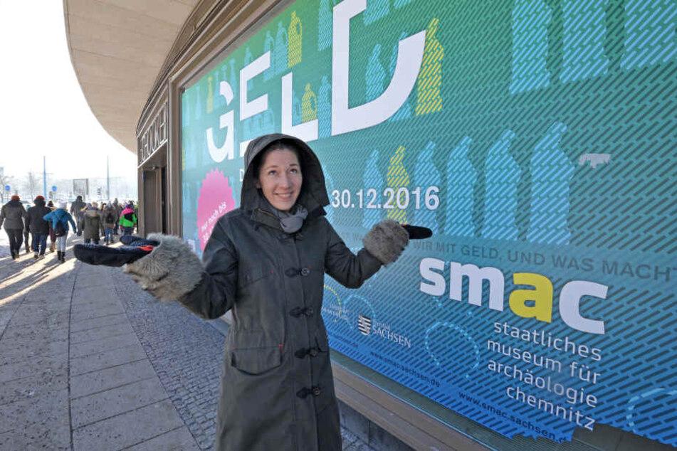 Noch wirbt das smac mit der ausgelaufenen Ausstellung. Erst wenn es wieder dauerhaft Plusgrade gibt, kann die Werbung gewechselt werden, so Sprecherin Jutta Boehme (44).