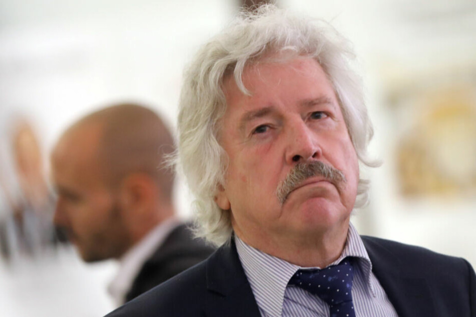 Rainer Rahn, der Vorsitzende der AfD im Römer, will gegen das Plakat vorgehen.