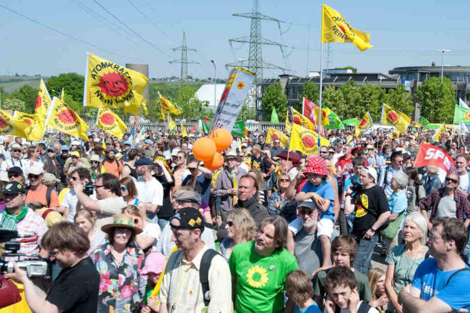 AKW-Gegner wollen am Mittwoch friedlich gegen einen Atommüll-Transport nach Neckarwestheim protestieren. (Archivbild)