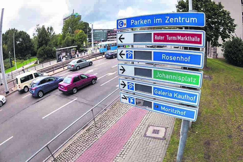 """Parkleitsystem nach 15 Jahren """"Schrott""""? Immer mehr zweifeln an dieser  Rathaus-Aussage."""