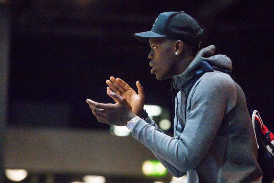 Bei EM in Sachsen: NBA-Star Dennis Schröder feuert Nachwuchs an
