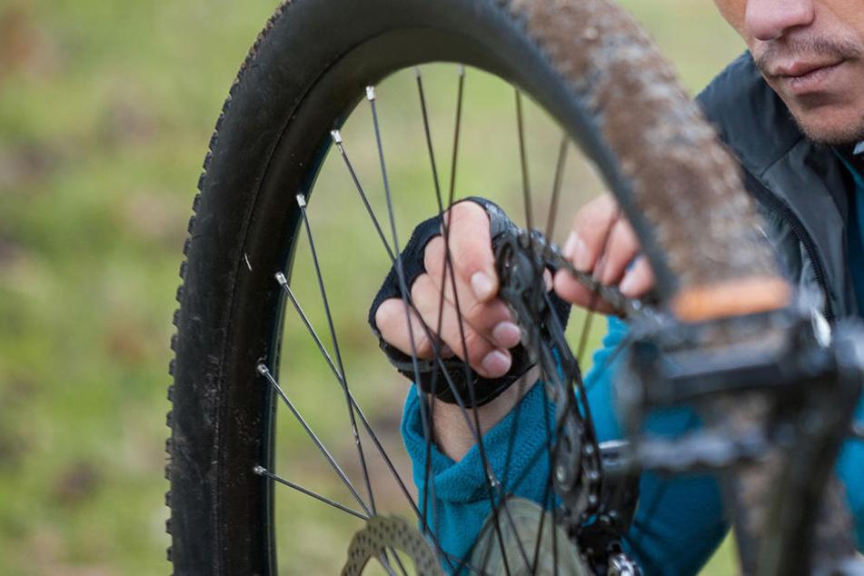 Ein Libyer soll einen Bekannten mit einer Fahrradkette gewürgt haben. (Symbolbild)
