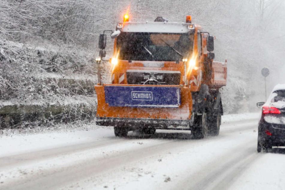 Schnee in NRW: Unfälle, Warnung im Nationalpark Eifel, Skipisten in Betrieb!