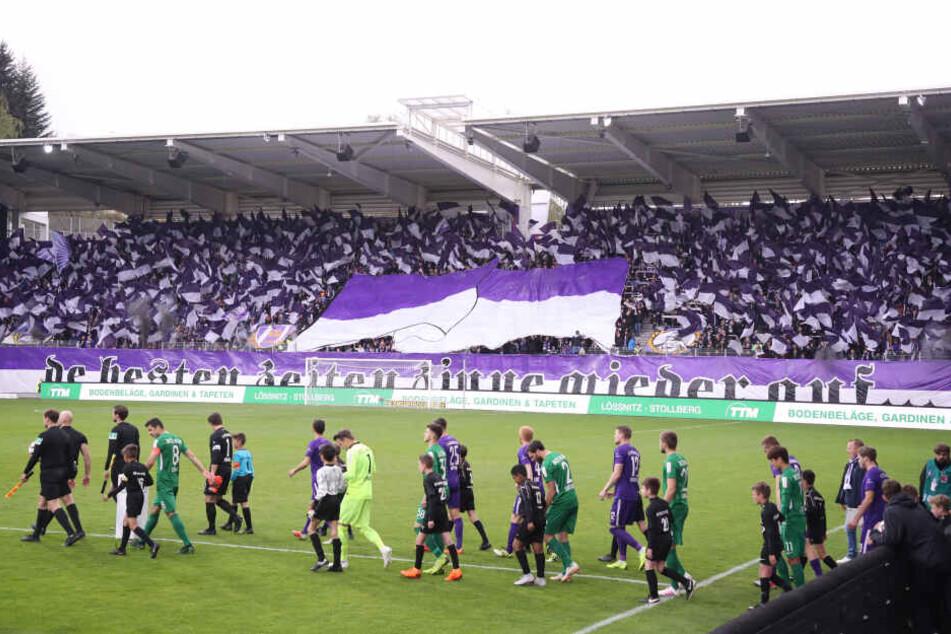 Die Stimmung im Stadion wird am Sonntag sicher noch gigantischer sein, als vor zwei Wochen gegen Bochum. Diesmal wird der Klassenerhalt ausgiebig gefeiert.