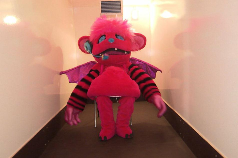 Das Monster darf im Kühlschrank sitzen.
