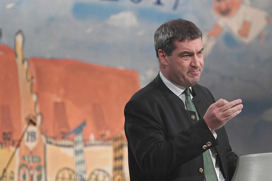 Der bayrische Finanz- und Heimatminister Markus Söder (50) hat am Einzug der AfD in den Bundestag seine Zweifel.