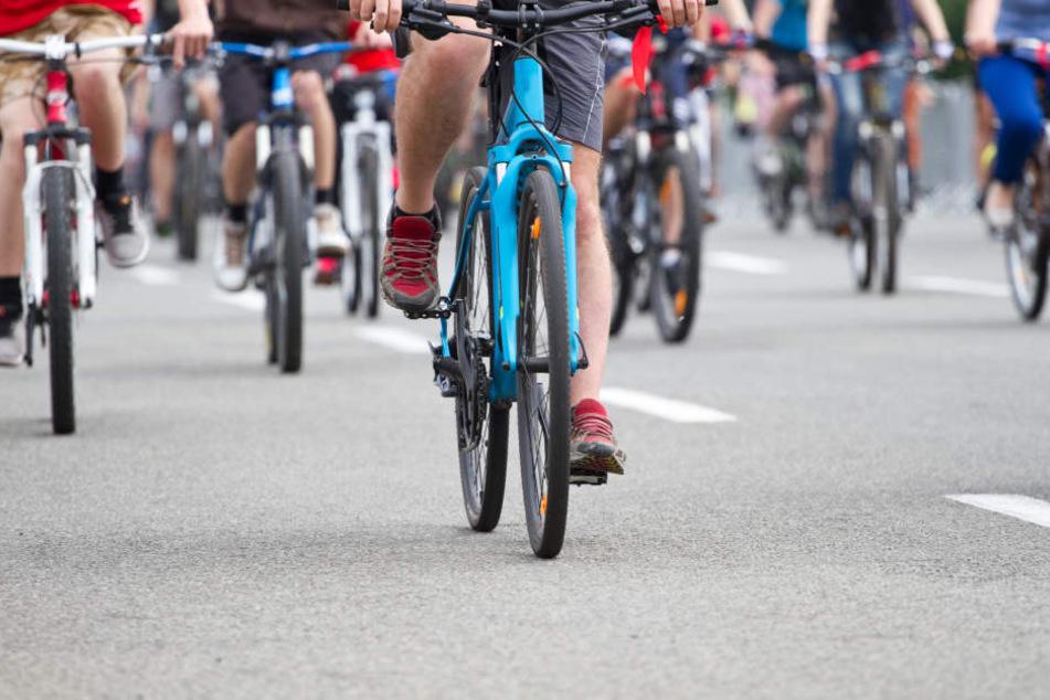 Wegen einer Fahrrad-Demo kommt es auf dem Innenstadtring in Leipzig am Freitag zu Behinderungen. (Symbolbild)