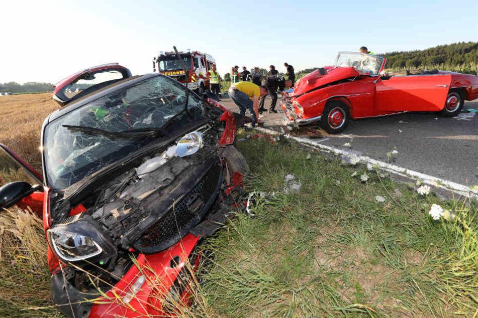 Der Oldtimer (rechts) war in den Kleinwagen gekracht.