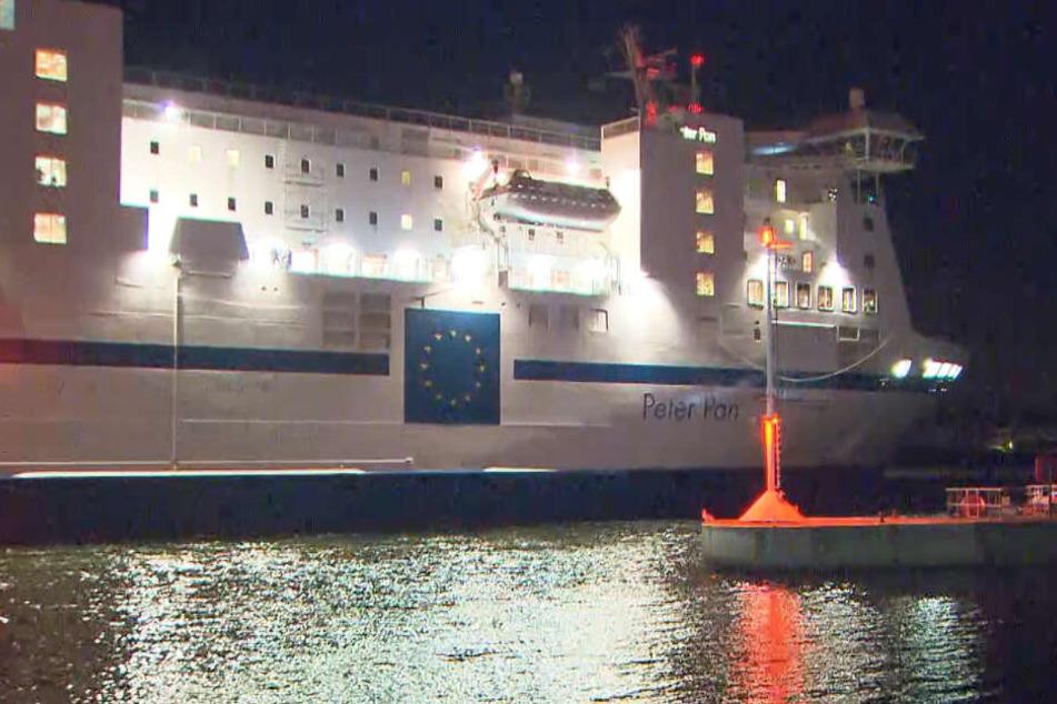 """Feuer-Alarm auf der Ostsee: Fähre """"Peter Pan"""" brennt plötzlich"""