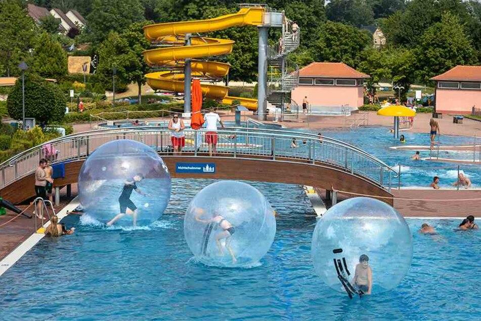 Zwischen 200 und 250 Besucher kamen zum Gablenzer Badfest. Das Freibad kämpft noch immer mit den Folgen der Übergriffe von 2018.