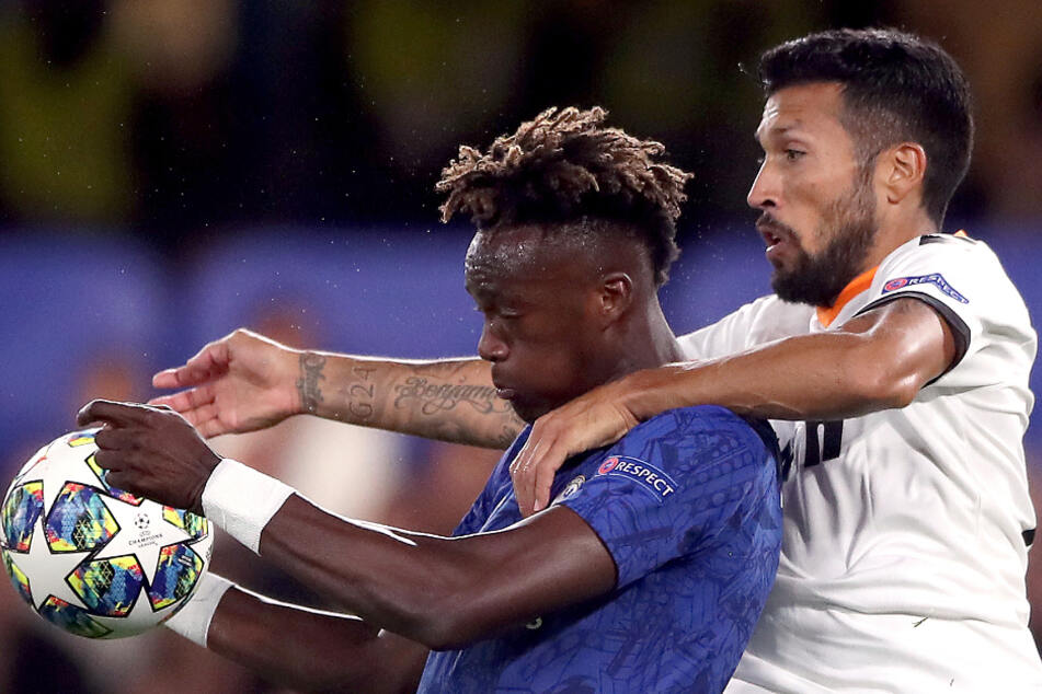 Ezequiel Garay (r.) beim Champions League Spiel gegen den FC Chelsea.