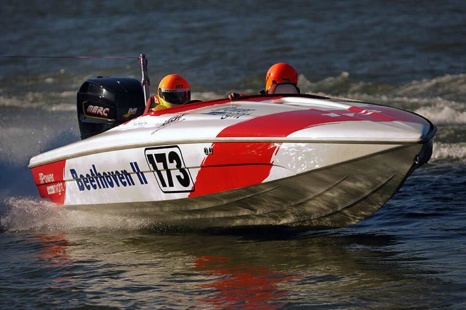 Motorbootrennen ist eine gefährliche Sportart.