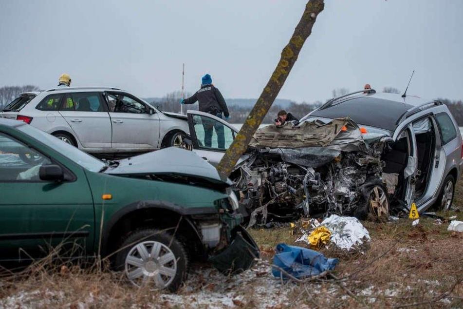 Drei Autos waren an dem Unfall beteiligt.