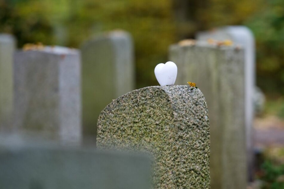 Der Schädel könnte von einem früheren Friedhof stammen. (Symbolbild)