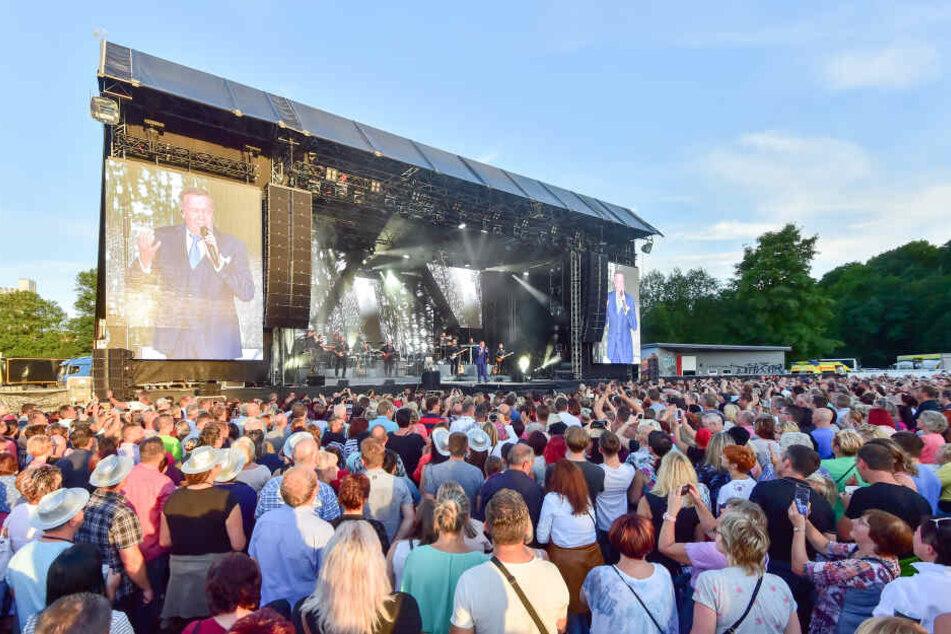 Am Wochenende verwandelt sich der Hartmannplatz wieder in eine Open-Air-Arena.