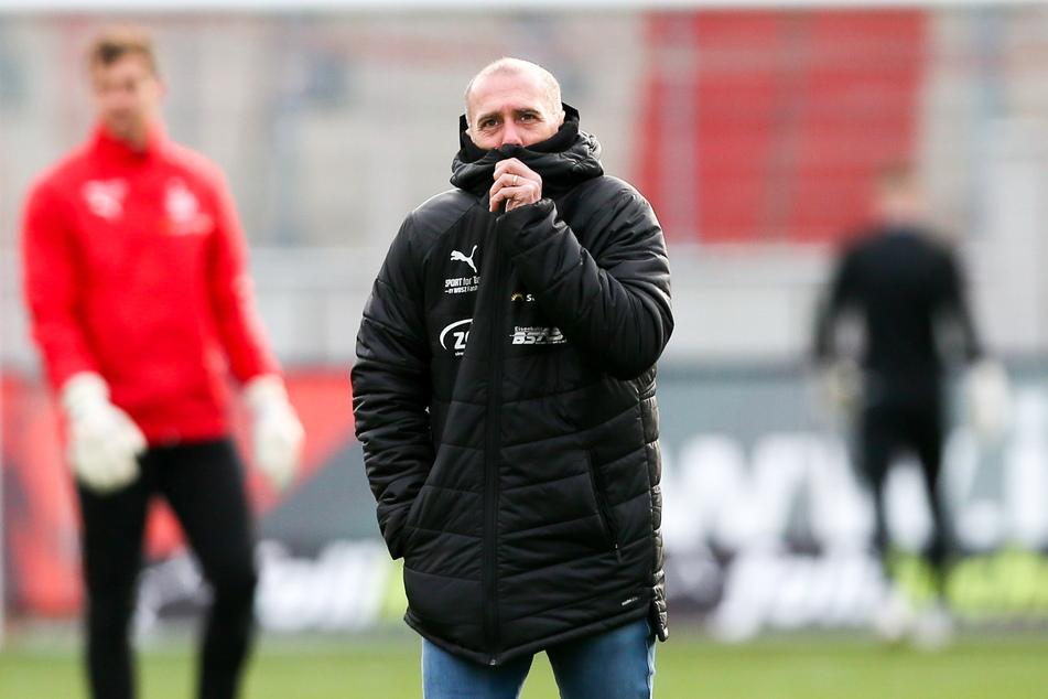 Muss sich weiter warm anziehen: FSV-Coach Joe Enochs.