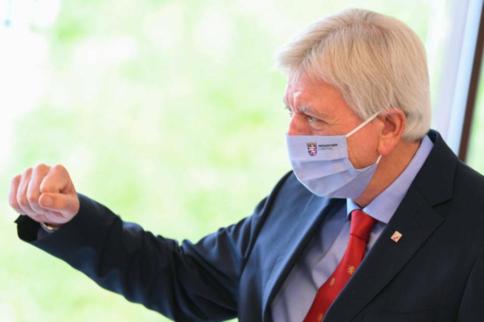 Bei niedriger Inzidenz könnte in Hessen die Maskenpflicht für die Innengastronomie fallen.
