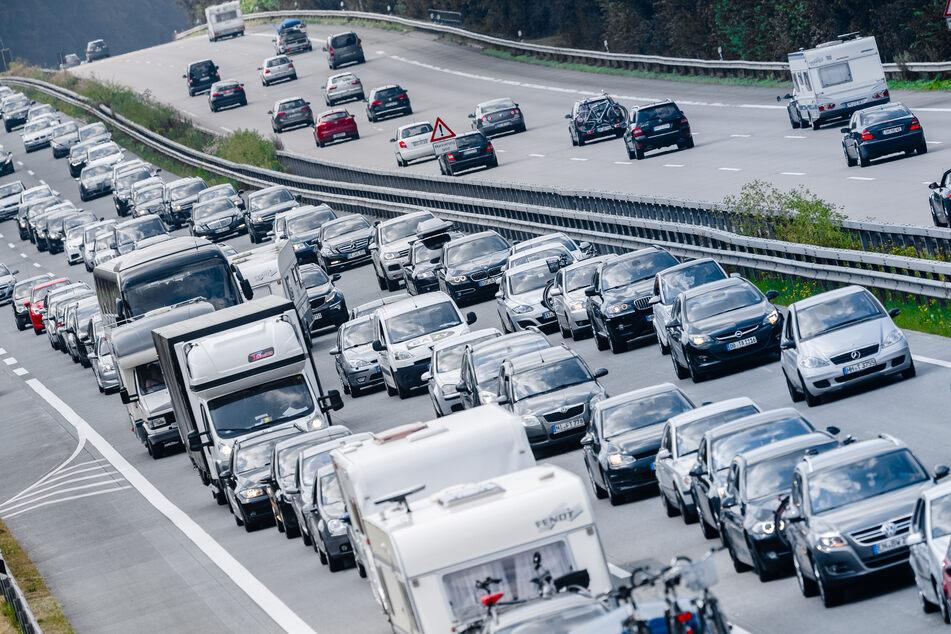 Ferienende: Polizei warnt vor Stau-Chaos auf Autobahnen!
