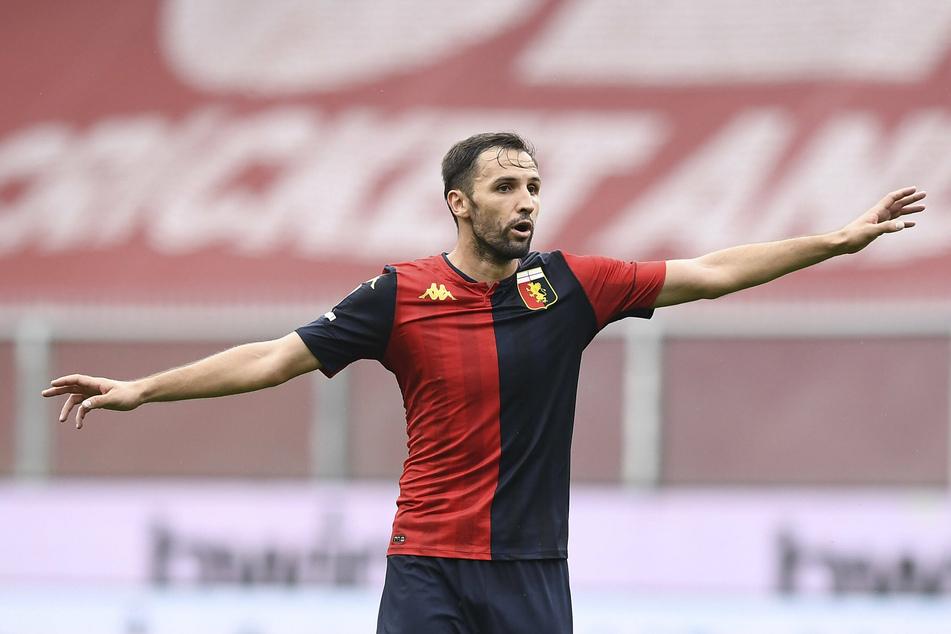 Milan Badelj (31), der von 2012 bis 2014 beim HSV unter Vertrag stand, ist seit dem Sommer beim CFC Genua unter Vertrag, bei dem das Coronavirus rumgeht.