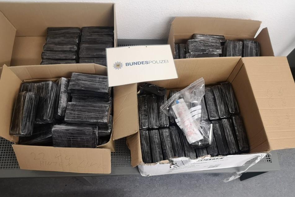 Der von der Polizei sichergestellte Drogenfund hat einen Wert von 1,7 Millionen Euro.