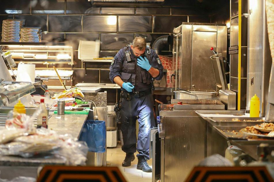Ein Wuppertaler Restaurant wurde wegen Verstößen gegen die Hygienevorschriften und Lebensmittelbestimmungen versiegelten.