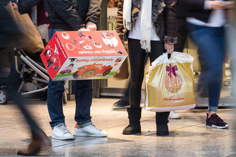 Weihnachtsgeschenke fallen in Sachsen sparsamer als in den meisten anderen Bundesländern aus.