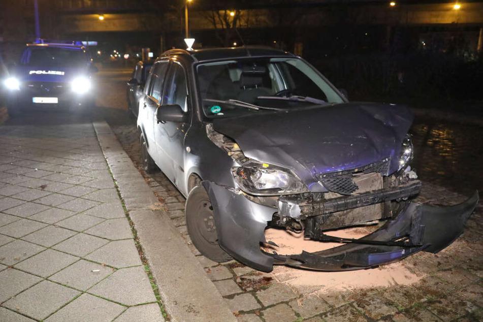 An der Eichendorffstraße wurde der geparkte Flucht-Mazda gefunden.