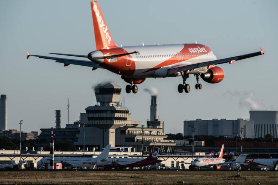 Derzeit wird hier noch kräftig geflogen, in einigen Jahren vielleicht schon kräftig gekickt: Der Flughafen Tegel.