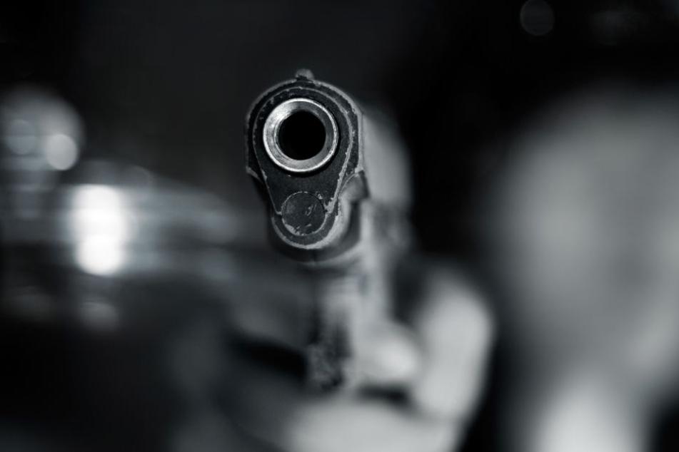 Streit eskaliert: Mann schießt Kontrahent in den Bauch