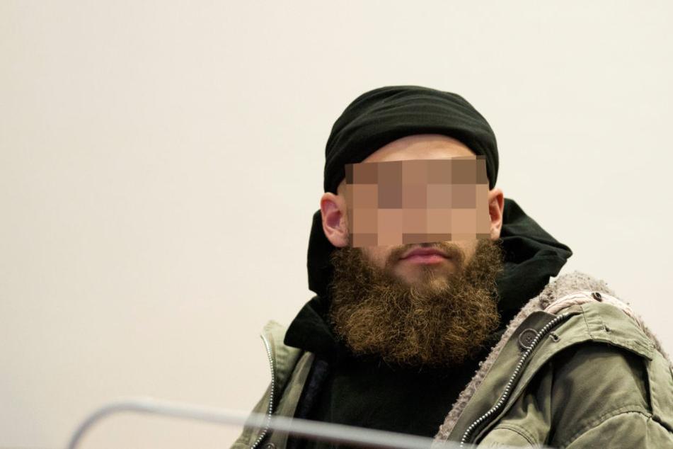 Weil er zwei Polizisten niederstach: Islamistischer Gefährder wird abgeschoben