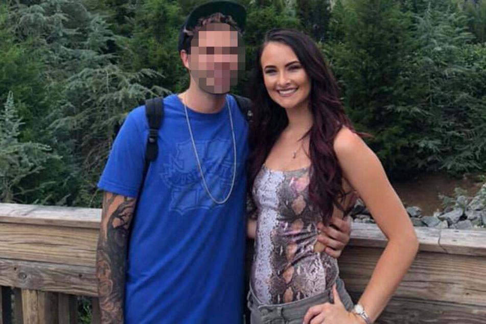 Katie (21) soll ihren Freund brutal attackiert haben.