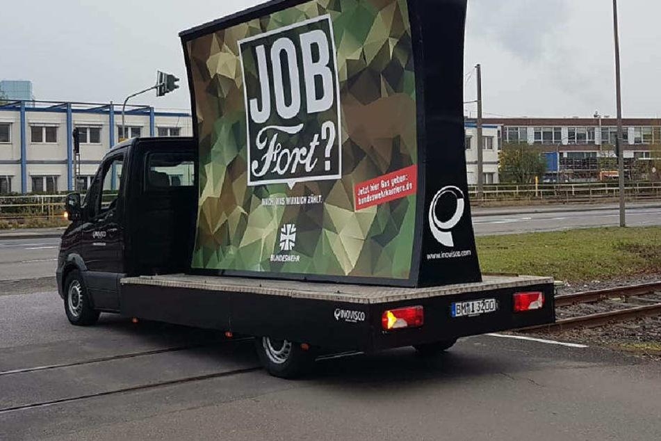 Köln: Bundeswehr stolz auf umstrittene Ford-Kampagne, der Autobauer dagegen ist sauer