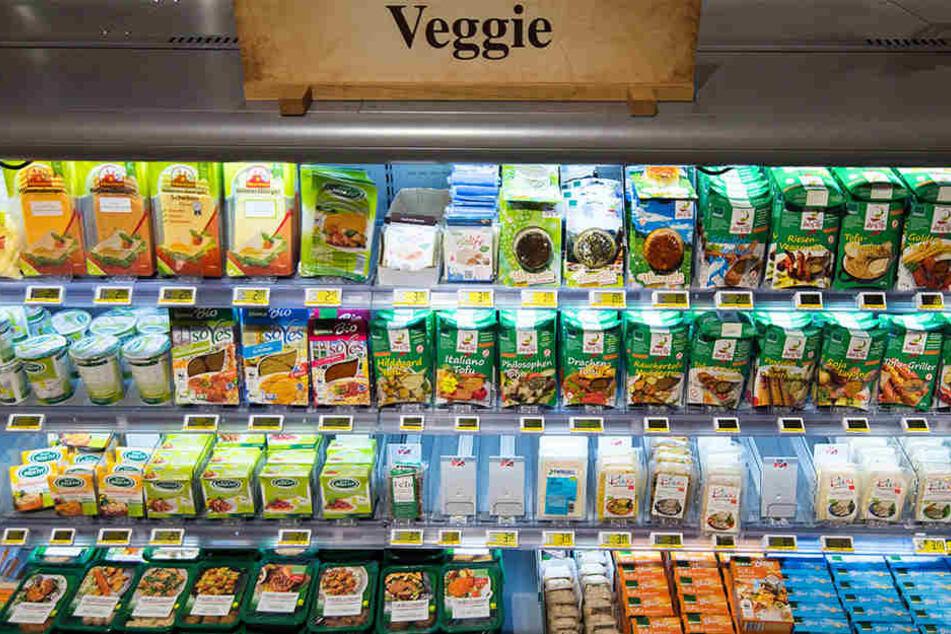 """""""Veggie""""-Produkte in einem Supermarkt."""