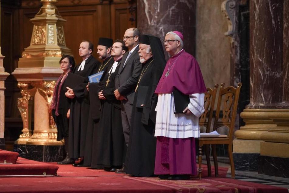 Der Berliner Erzbischof Dr. Heiner Koch (rechts), hier zu sehen bei einem Gottesdienst 2018 im Berliner Dom, äußerte sich zu Greta Thunberg.
