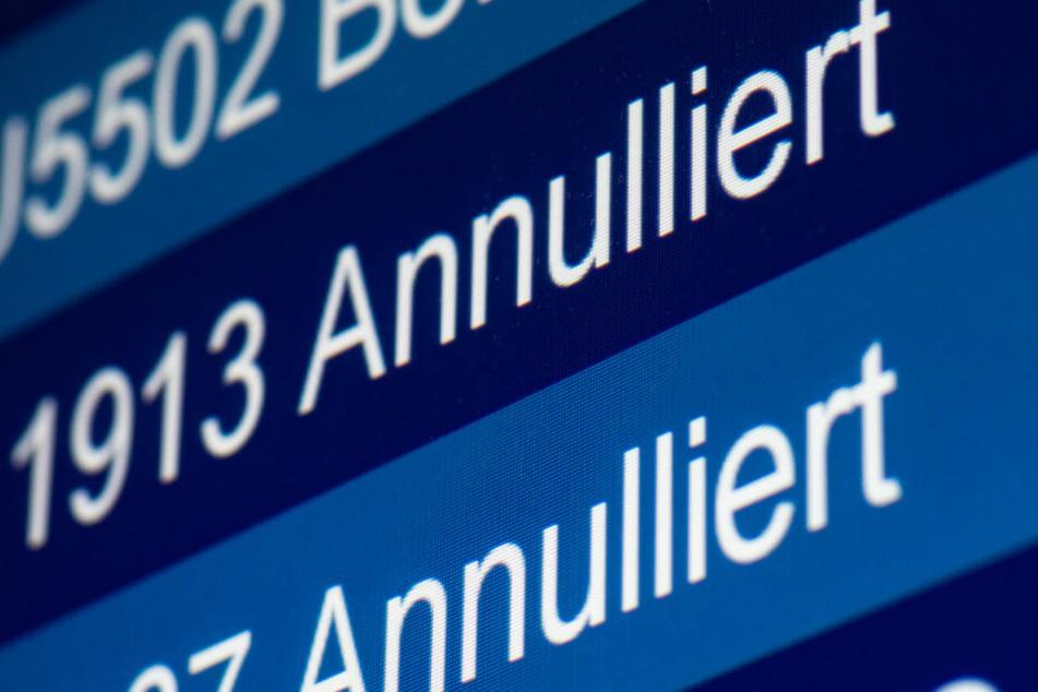 Am Münchner Flughafen sollen 18 Starts und Landungen ausfallen. (Symbolbild)