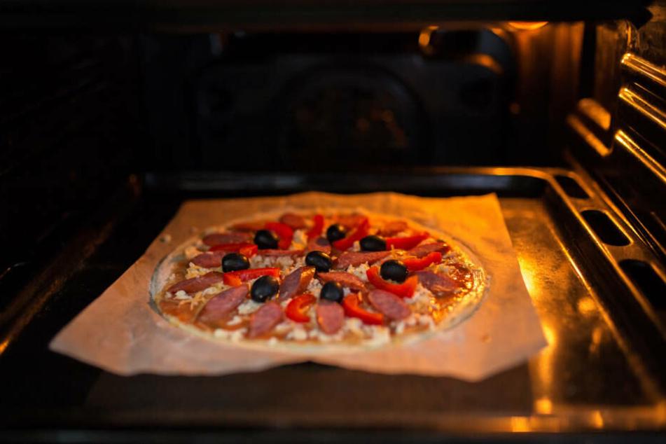 Lecker! Aber man sollte nicht einschlafen und die Tiefkühlpizza nicht im Ofen vergessen ...