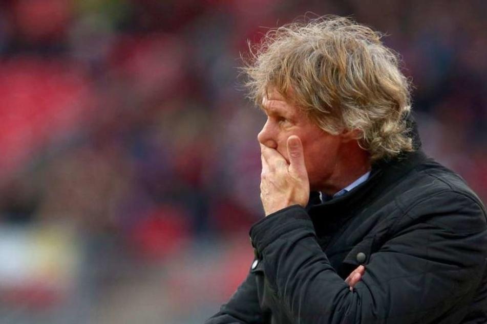 Laut Medienberichten trainiert Verbeek nicht länger den VfL Bochum.