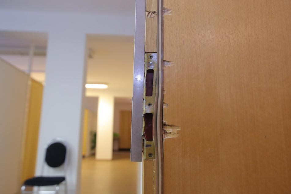 Die Tür zur Physiotherapie wurde aufgebrochen.