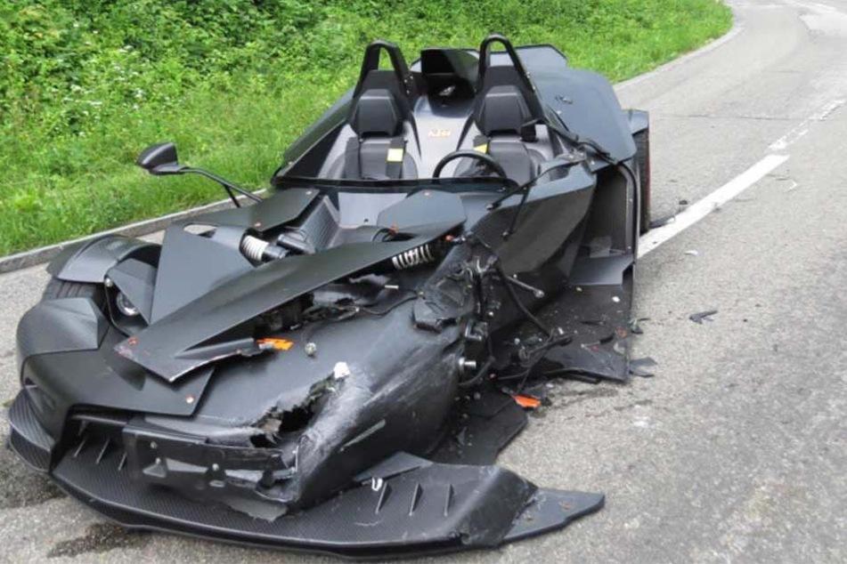 Der KTM x-Bow erinnert, zumindest vor dem Unfall, stark an das Batmobil.