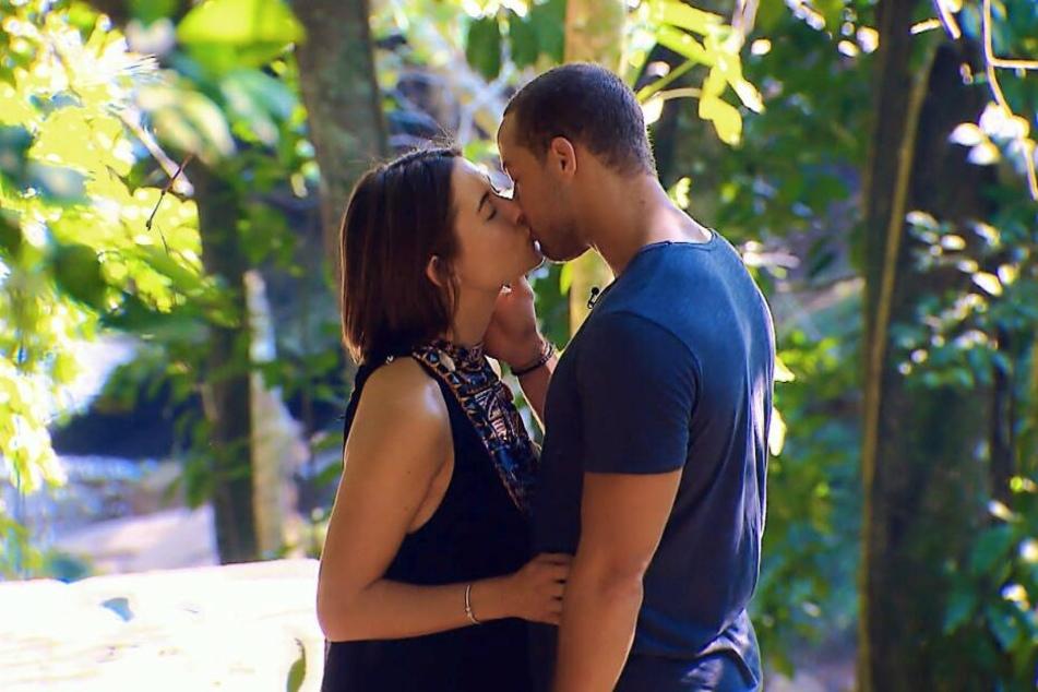 Beim Dreamdate knistert es weiter zwischen Jenny und dem Bachelor.