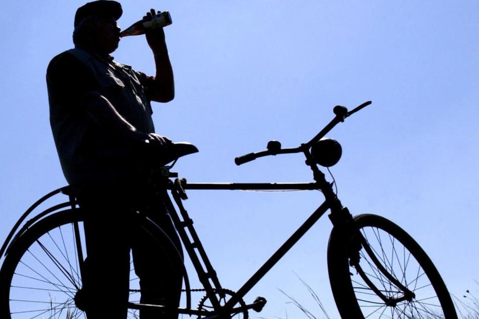 Wer mit zu viel Alkohol auf dem Fahrrad erwischt wird, riskiert seinen Autoführerschein. (Symbolbild)