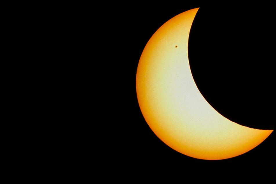 Sonnenfinsternis: Dunkles Zeichen? Sonnenfinsternis ausgerechnet am Freitag, dem 13.!