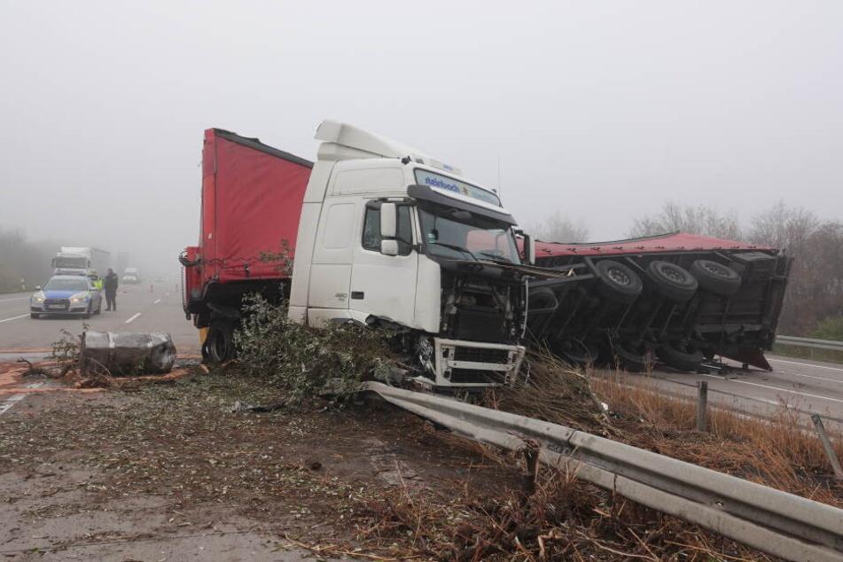 Auf der A2 ist es am Dienstag zu einem schweren Unfall gekommen.