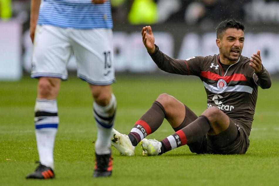 St. Paulis Sami Allagui ärgert sich beim Spiel gegen Arminia Bielefeld.