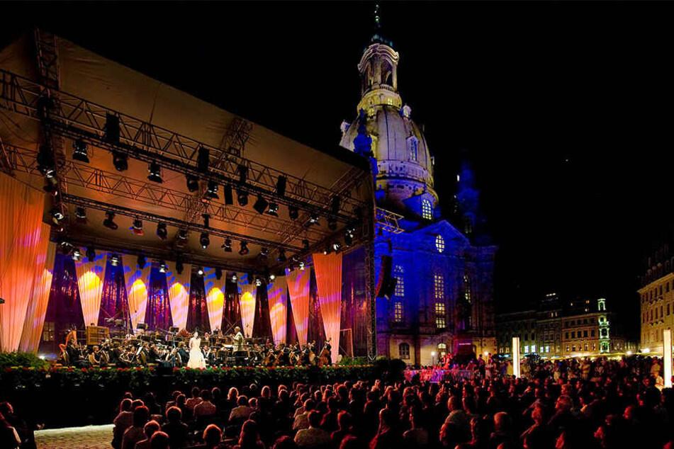 Die Frauenkirche liefert die grandiose Kulisse für das Classic Open Air auf dem Neumarkt.