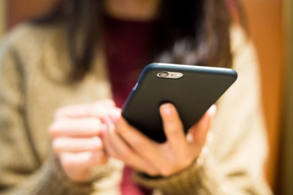 Intime Nachrichten versehentlich an falsche Personen zu senden kann richtig peinlich werden. (Symbolbild)