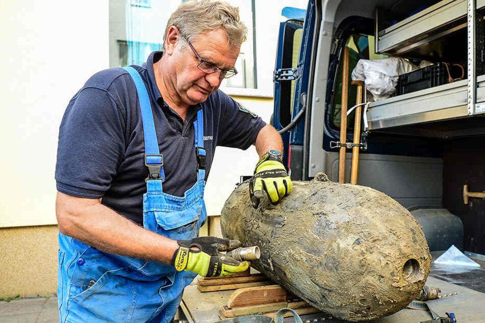Der Zünder der 250 Kilo.Bombe wurde von Experten entfernt