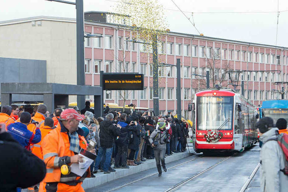 Großer Bahnhof an der Uni: Die Eröffnung des Abschnitts bis zum Campus und Technopark war im Dezember 2017 ein großer Meilenstein.